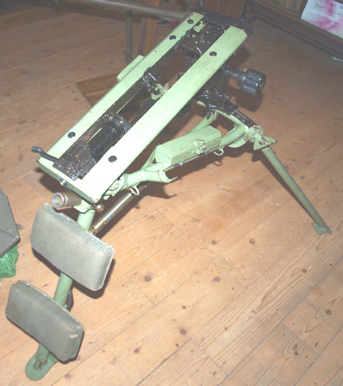 Unusual Lafette 42 Tripod