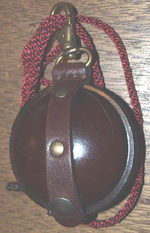 Wilkins leather Pellet holder medium